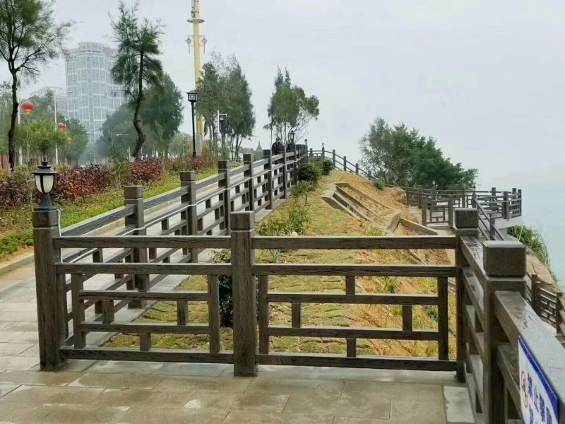 防止宜宾水泥护栏开裂的措施