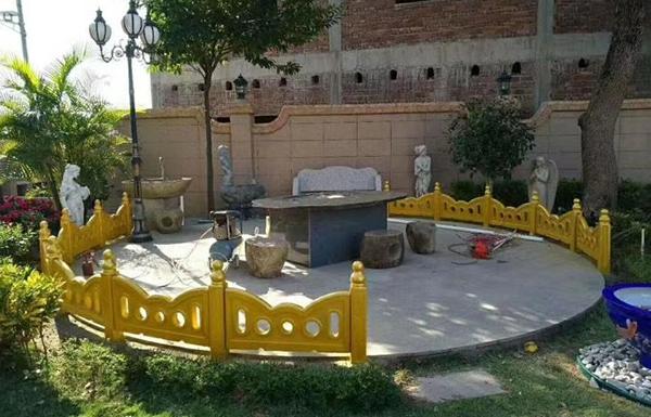水泥仿石栏杆安装