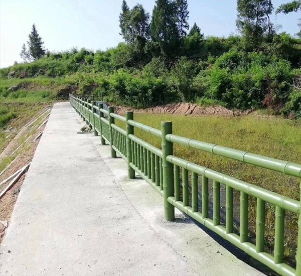 屏山仿竹栏杆安装